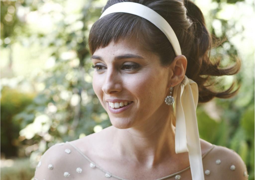 Paula Alenda by Hervás & Archer fotógrafos. Vestido de Manuel Espuch. Peinado y maquillaje de Isabel Bedia.