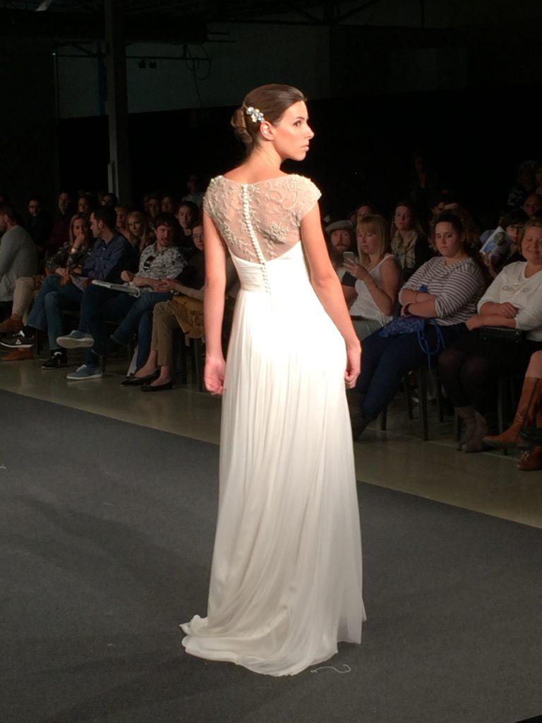Preciosa espalda de encaje diseño de Rosana Cantó