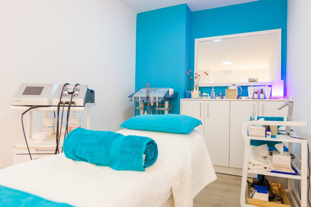 One of the treatment rooms and beauty rituals at Skin Spa Alicante.